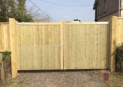 flat top driveway gate
